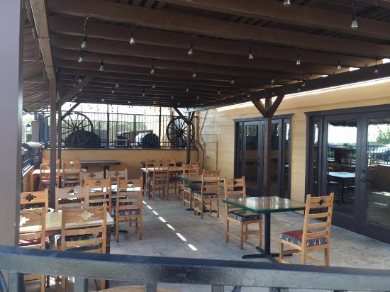 Upland, CA: Patio Dining