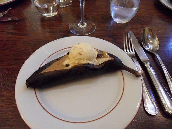 Au Lapin Qui Fume : Banane rôtie et ses raisins au rhum... hum !