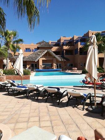 Paradis Plage Surf Yoga & Spa Resort: Piscina