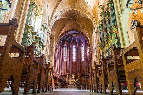 Cathedrale St. Sauveur: photo1.jpg