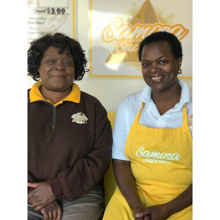 โบวี, แมรี่แลนด์: Samosa Supreme Owners (L: Jayne Musonye R: Rose Musonye-Smith)
