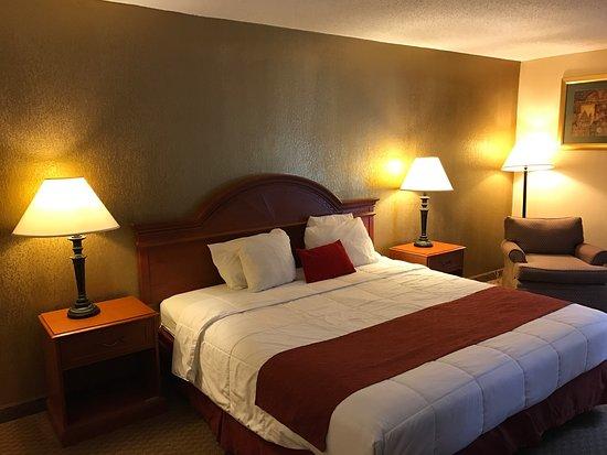 Hotel M, Mount Pocono: photo0.jpg