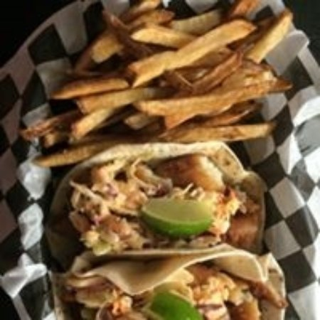 ‪‪East Dubuque‬, إلينوي: Fish Tacos‬