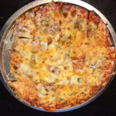 East Dubuque, IL: Home made pizza