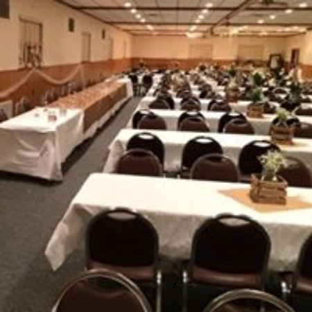 East Dubuque, IL: banquet hall 2