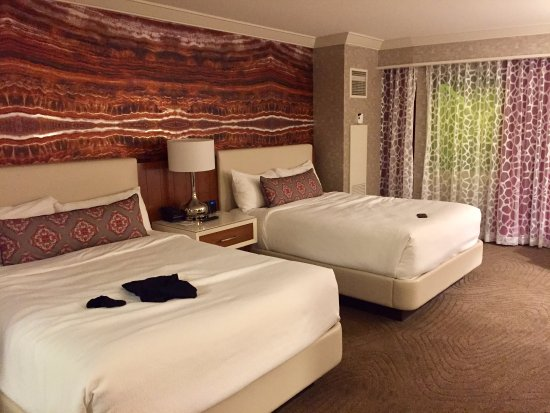 Double Queen Room Picture Of Mandalay Bay Resort