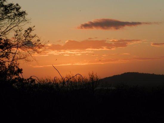 Santa Cruz, นิการากัว: magical sunsets, view from the room (bamboo lodge)
