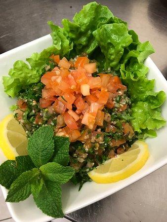 อิล-เดอ-ฟรองซ์, ฝรั่งเศส: Taboule ( persil , tomate , oignon , blé concassé , citron )