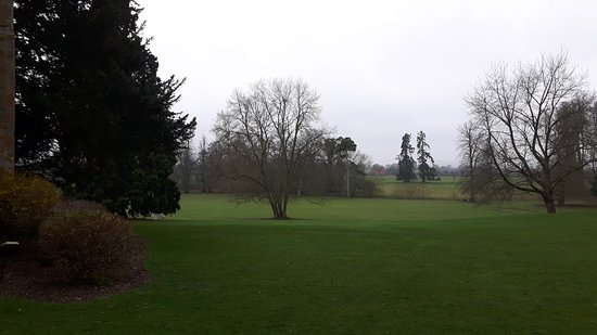 Alderminster, UK: Grounds at Ettington Park Hotel