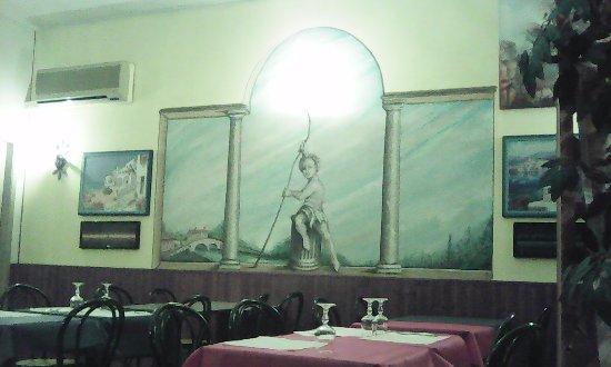Cassinetta di Lugagnano, Itália: Semplicità disegno che ricorda il naviglio e cucina tradizionale.