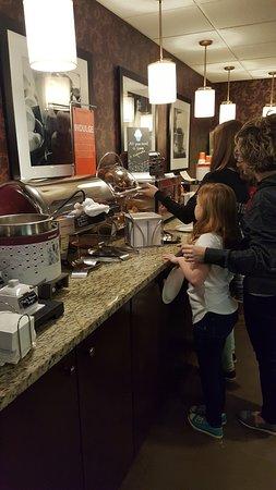 Hampton Inn by Hilton Joliet I-80: breakfast buffet