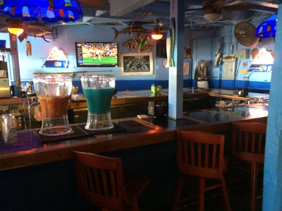 Lantana, FL: Bar area