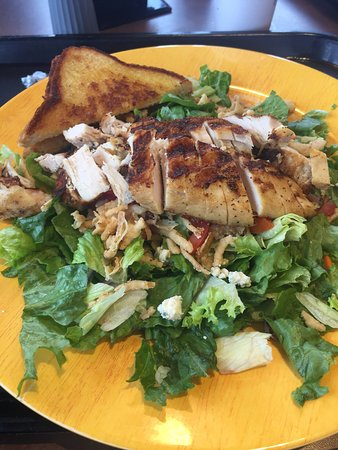 Lake Park, GA: Zaxby snack and grilled salad
