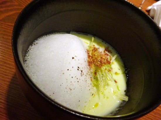 Ikoma, ญี่ปุ่น: スープも食べ方で味にバリエーションが。