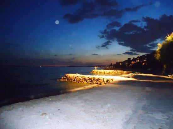 Podstrana, Croacia: Beach