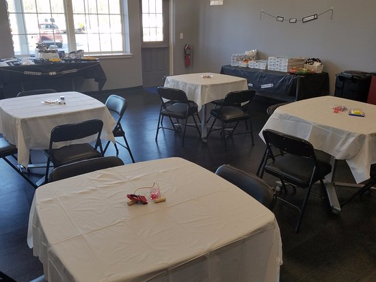 Bridgewater, NJ: Party Room with seating up to 32 people