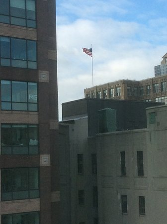 Hampton Inn Manhattan-SoHo: View from our room Stars and Stripes