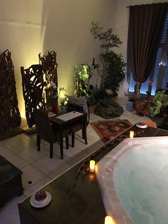 l 39 escale exotique b b salon de provence voir les tarifs 47 avis et 24 photos. Black Bedroom Furniture Sets. Home Design Ideas