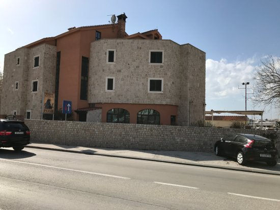 Podstrana, Hırvatistan: Perun