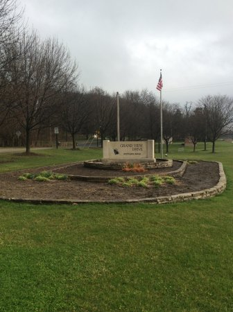 Peoria, IL: The entrance into the city park