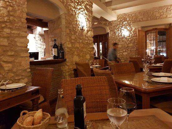 Benalup-Casas Viejas, España: 20170325_211222_large.jpg