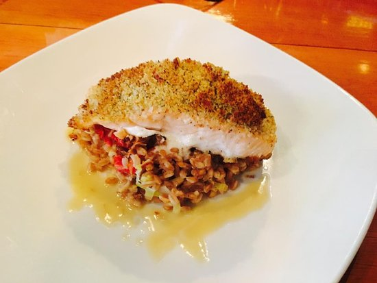 Middletown, CT: Garlic Parm Crusted Salmon
