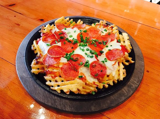 Middletown, Коннектикут: Waffle Fry Pizza