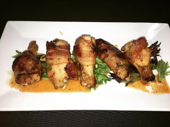 Middletown, CT: MAple WHiskey Glazed BAcon Wrapped Wings
