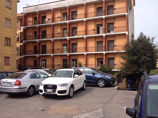 Astor Hotel: parcheggio scoperto (c'è anche quello coperto)!