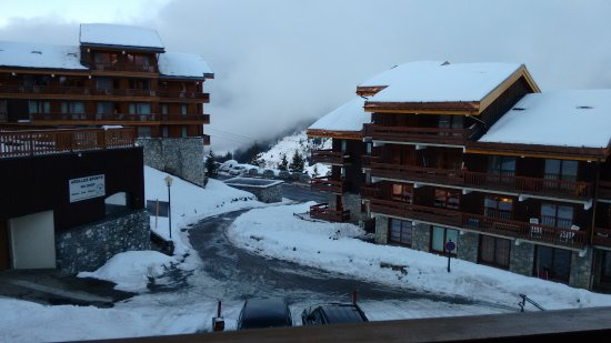 Chalet Hotel Tarentaise: View from Balcony