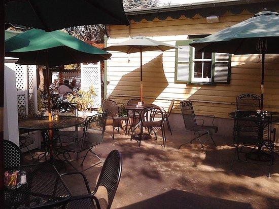 Lititz, Pensilvania: Cozy Inviting Patio Dining!