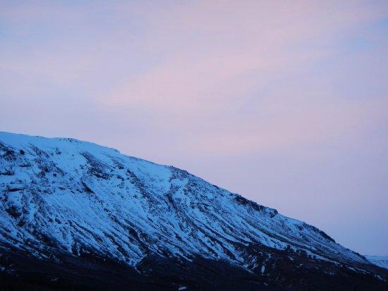 ลอการ์วัตน์, ไอซ์แลนด์: You can't bet these views to soak in the naturally heated pools