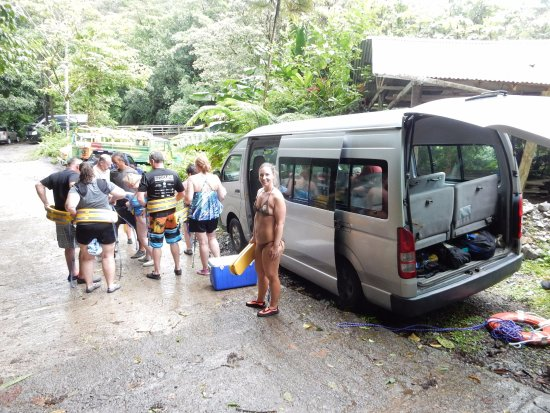 Roseau, Dominica: Van full headed up to Titou Gorge.