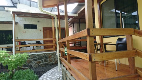 la peregrina cada habitacin cuenta con corredores con mesa y silla para poder usar