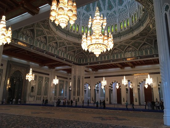 苏丹卡布斯大清真寺