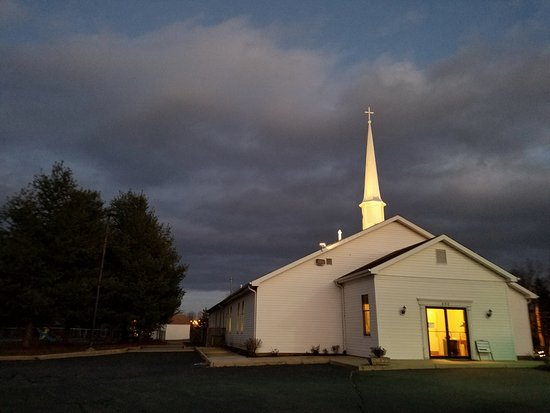 Leesburg, VA: Crossroads Baptist Church