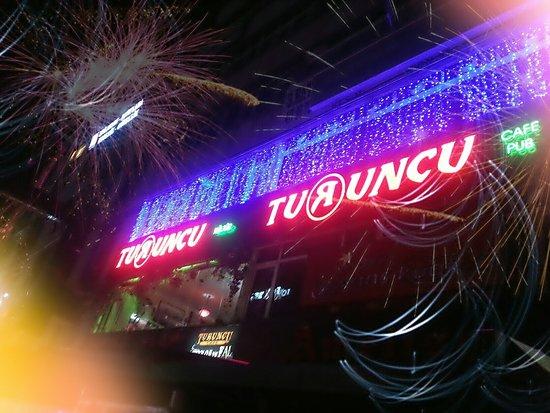 Turuncu Cafe Pub : Delightful different tones with Turuncu cafe