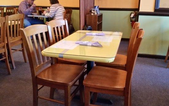 Ashburn, VA: Basic Table and Chairs