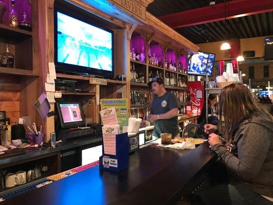 Saline, MI: Dan's Downtown Tavern