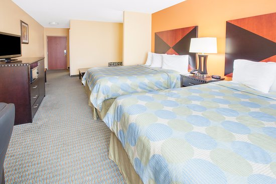 Days Inn & Suites Russellville : 2 Queen Bed Suite Room with Sofa Sleeper