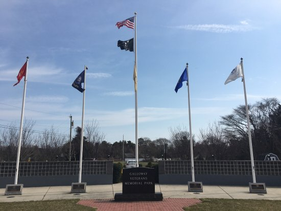 Veterans Memorial Park at Glenn by the Bay
