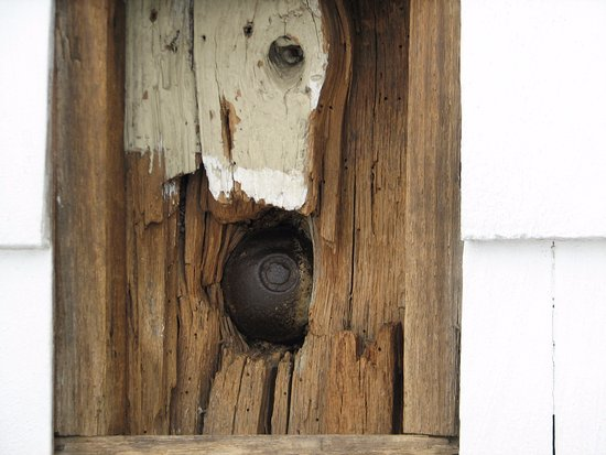 Ridgefield, CT: British cannonball embedded in outside wall of the Tavern