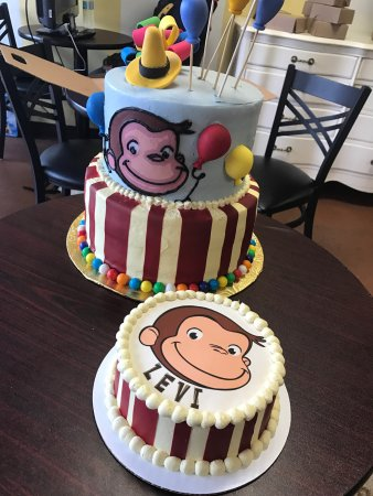 Cake Art Pelham Alabama : Custom Cakes - Picture of Cake Art by Cynthia Bertolone ...