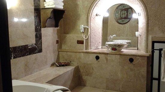 MDC Hotel: Banheiro da suite