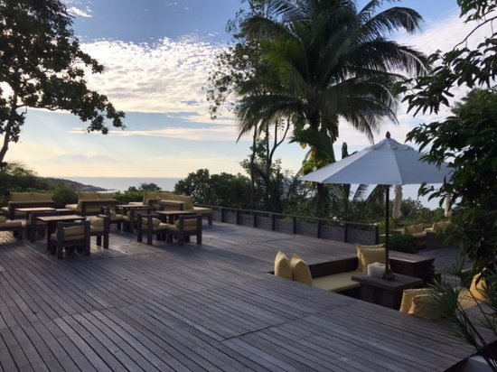 Six Senses Samui: wooden platform chill chill