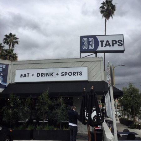Beverly Hills, CA: Enjoy eating, drinking and sports at 33 Taps in Silverlake, Los Angeles.