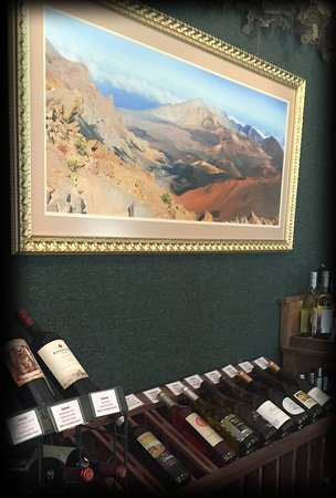 Idyllwild, CA: Art & Wine...Come in and enjoy some with us today!
