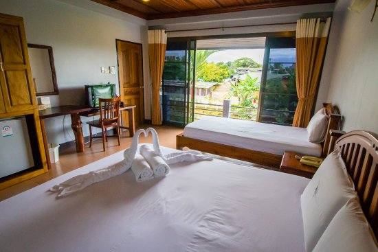 Baanrimnam Resort: Tripple room