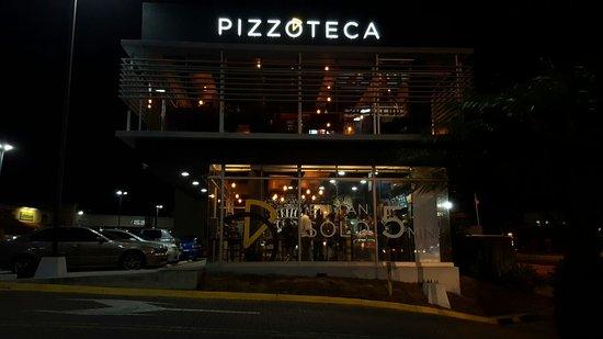 Santa Ana, Costa Rica: Pizzoteca