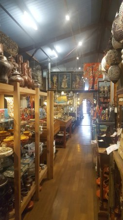Myrtleford, Australia: And numerous Alladin's caves full of hidden treasure to help walk off your meal.